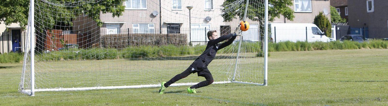 Goalkeeper Training & Coaching London & Bromley
